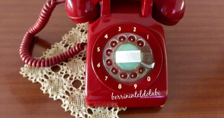 NOSTALJİK  KIRMIZI TELEFON